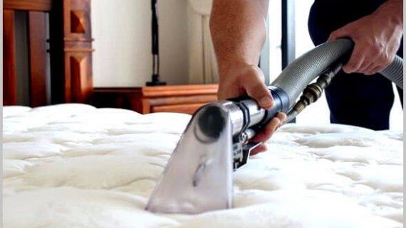 Как да почистите петна и миризми от матрак